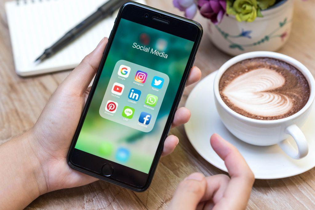 Social Media Management Consultants
